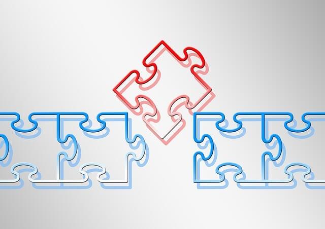 並んでいるパズルに新しいピースを挿入する