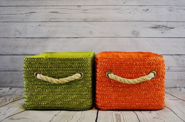 緑とオレンジのバスケット